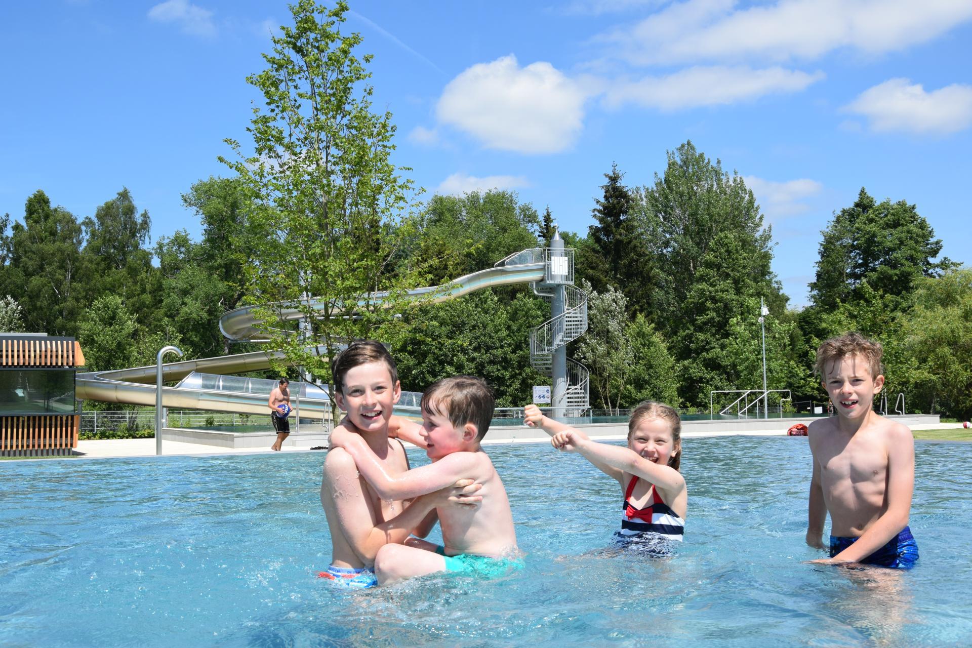 Freibad Spaß im Wasser